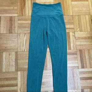 Lot of 2 pairs Beyond Yoga leggings Xs hi waist
